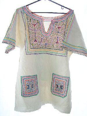 Hand Embroidered Shipibo Shirt